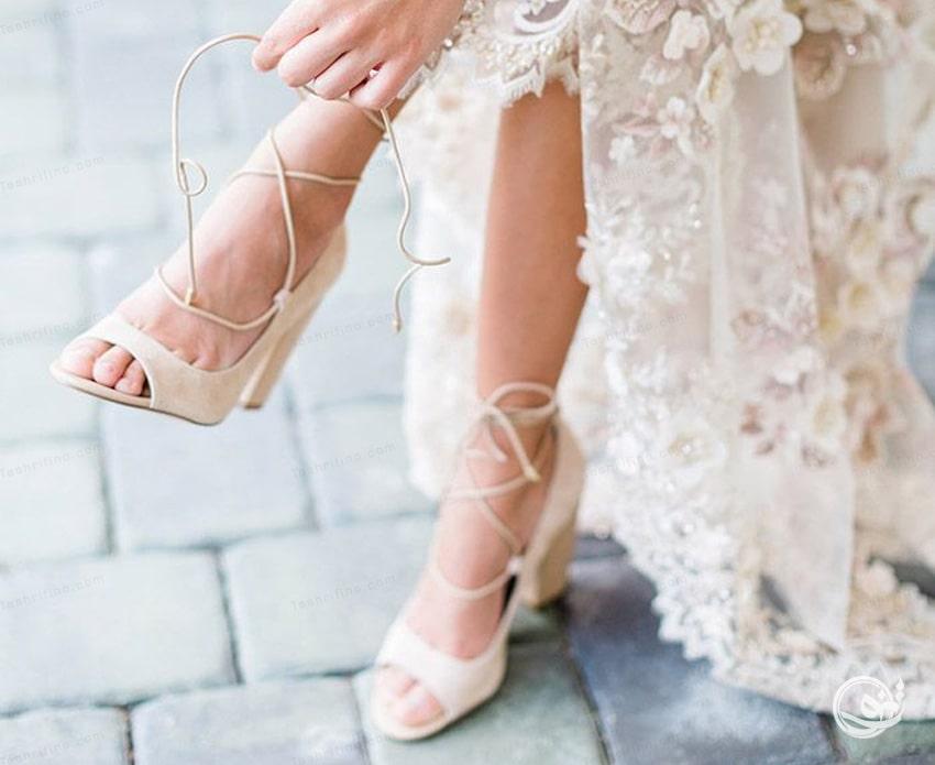 مدل کفش عروس و کفی کفش را درنظر بگیرید