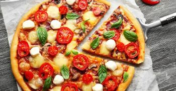 طرز تهیه پیتزا بدون فر | طرز تهیه انواع پیتزا با ماهیتابه + فیلم و عکس