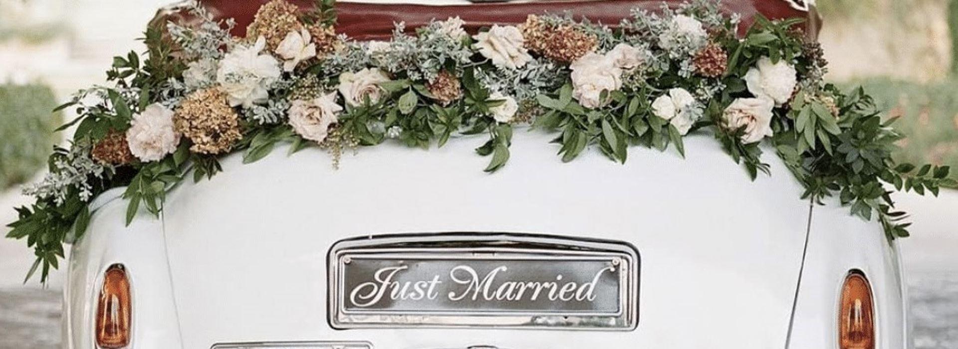 تزیین ماشین عروس | گل آرایی ماشین عروس [ساده و لاکچری]